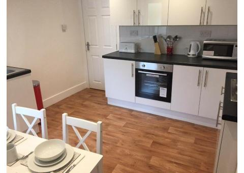 FOR SALE FULLY TENANTED & COMPLIANT 4 BEDROOM STUDENT HMO SALFORD UNIVERSITY
